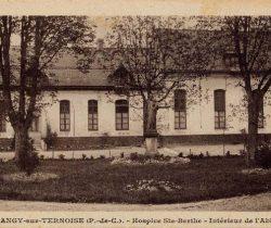 Abbaye-Cour intérieure hospice