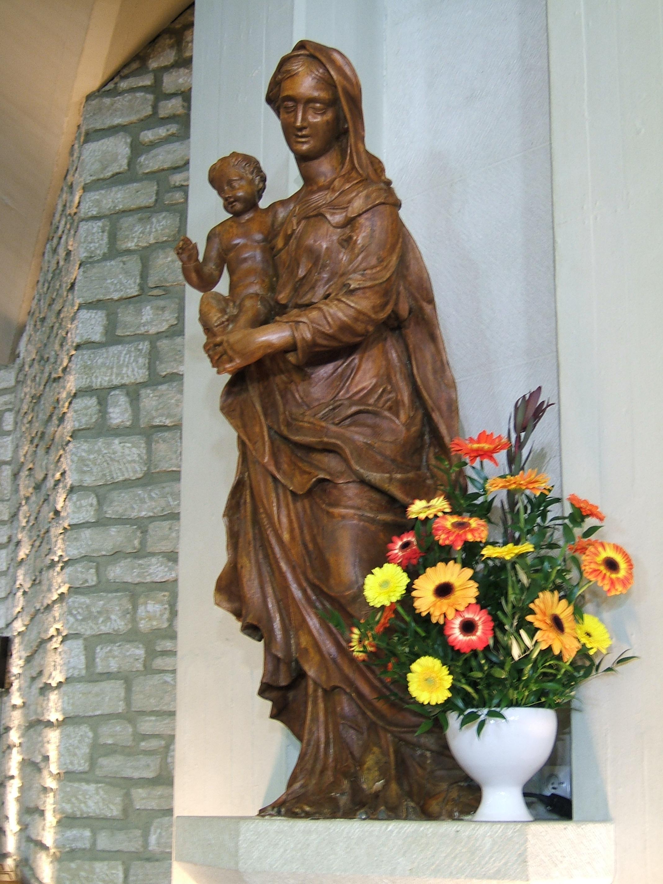 Statue de la Vierge, chapelle Ste Emérentienne