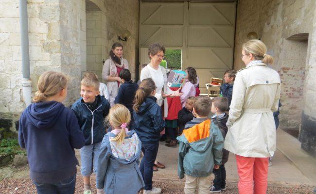 Abbaye-Pentecote 2016-Regroupement des enfants avant leurs activités