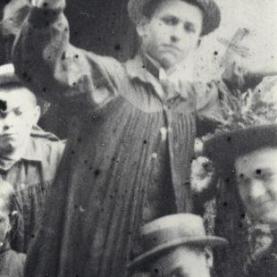 Henri Grialou en 1908 à Graves, avec sa classe de 3ème / With his class / Enrique Grialou en 1908 en Graves, con sus compañeros de clase