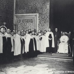 1947, une délégation de l'Ordre du Carmel en audience avec le Pape Pie XII / The Carmes with the Pope Pie XII