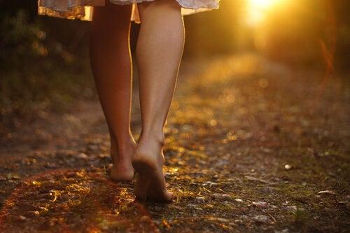 Andar con los pies en la tierra y con los ojos en el cielo
